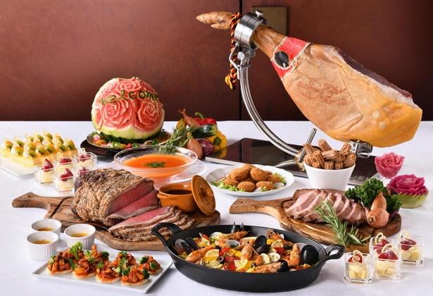 【写真を見る】「名古屋プリンスホテル スカイタワー」の「Sky Dining 天空」で「『スペイン・モロッコ』フェア」(平日・大人4500円)が開催される