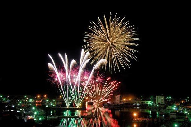 壱岐の島夜空の祭典 / 勝本港の海の上から伝わる花火の風圧