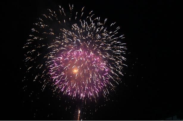 やまびこ祭り / 祭りのフィナーレに1000発が夜空を彩る
