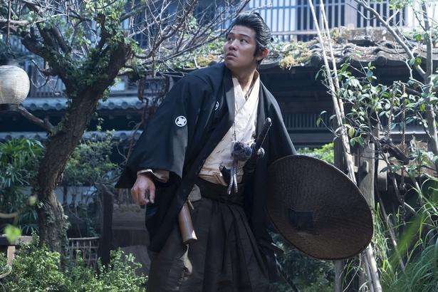 蟄居(ちっきょ)生活を送る岩倉の家を訪ねた吉之助を待っていたのは…