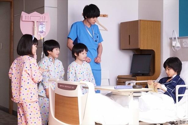 湊(山崎賢人)は響(城桧吏)の病室を訪ね「みんなで歌いましょう」と誘うが…
