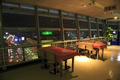 高さ55mの展望台から別府の夜景を楽しめる