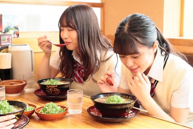 「わ〜、いい香り♪」(さきぽん)、「まずはスープから…♪」(かおたん)