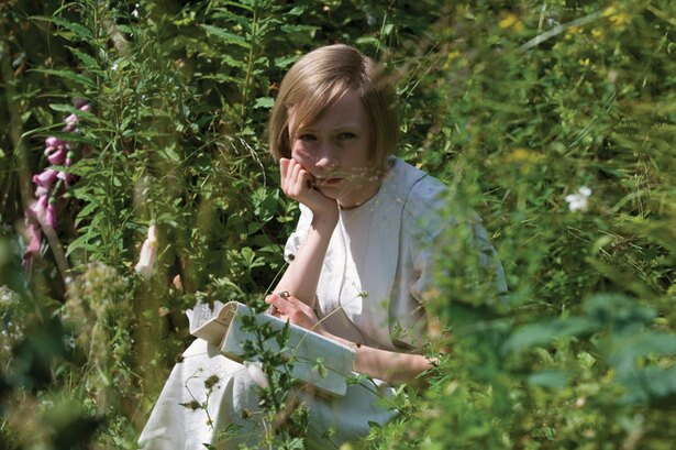小説家を夢見る、13歳の多感な少女ブライオニー役で鮮烈な印象を残す(『つぐない』)