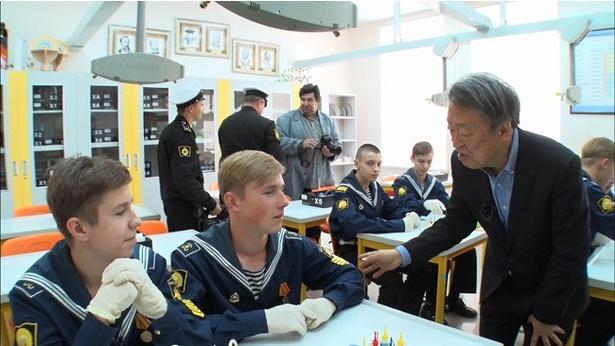 池上彰がロシア・ウラジオストクの海軍兵学校で学生を直撃取材