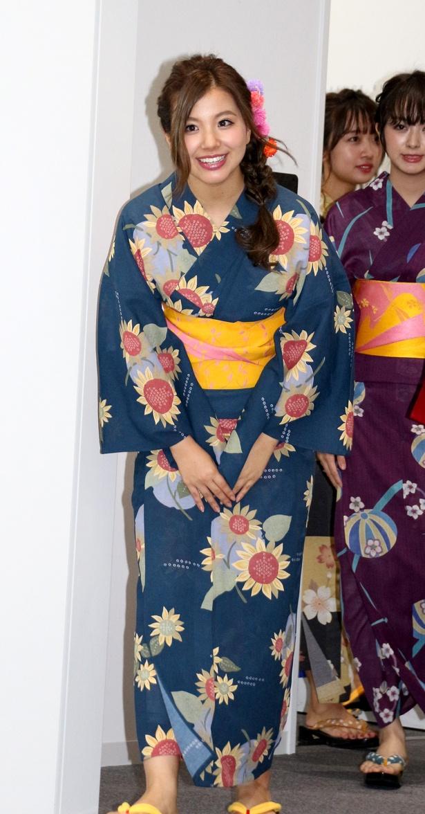 8月4日に22歳になった倉田瑠夏は「微妙な歳ですね(笑)。大人っぽくも子供っぽくもなれるので、その良さをグラビアで出していけたら」とコメント
