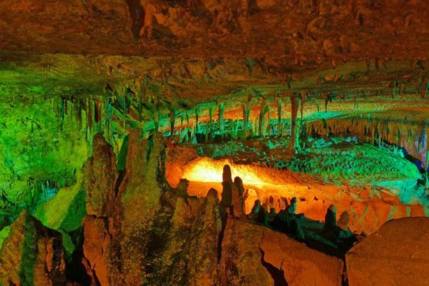 一年中気温が8℃に保たれている洞窟内/面不動鍾乳洞