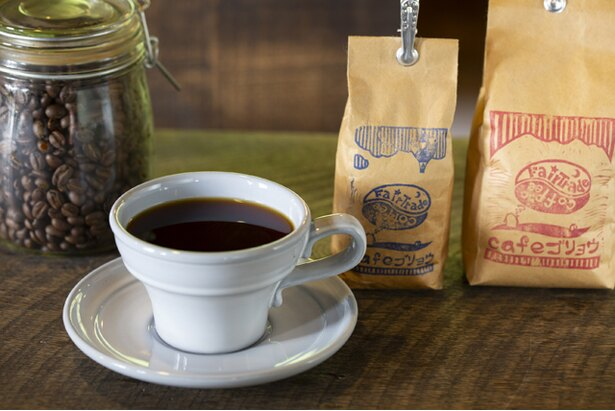 やや深煎りでビターな味わいの自家焙煎コーヒー(400円)