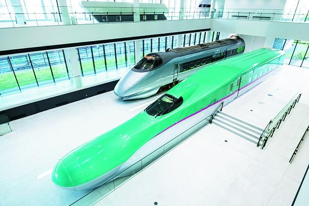 新館1Fには展示用に新造されたE5系新幹線(モックアップ)が展示されている