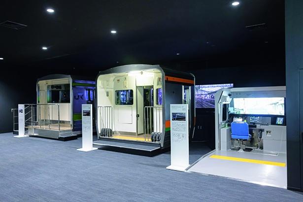 新館2階「シュミレータホール」には、列車を運転できるシミュレータを設置