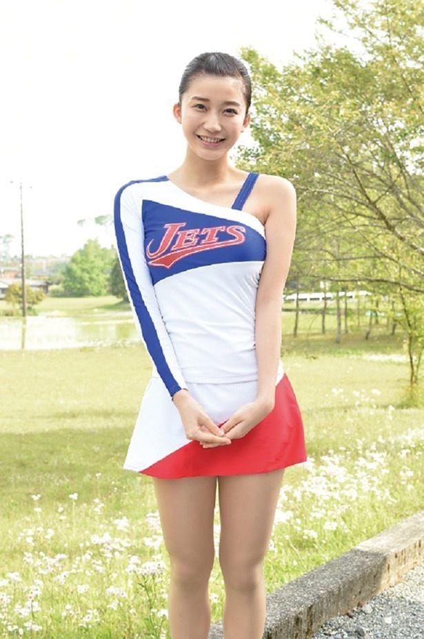 小倉優香は、わかばが所属する福井西高校チアダンス部のライバルである、福井中央高校チアリーダー部「JETS」の現役センター・花房月子を演じる