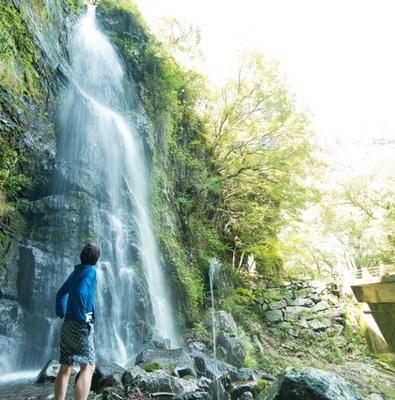 轟峡 /「楊柳の滝」はそばまで近づけるので、マイナスイオンを存分に浴びよう