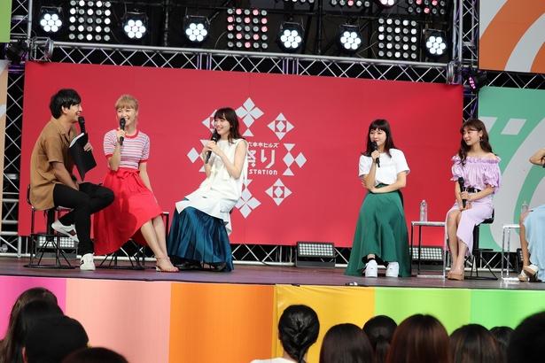 Dream Ami、飯豊まりえの他に過去シリーズに出演していた大和屋穂香、齊藤英里、菅原里奈、安倍乙、マーシュ彩らが登壇