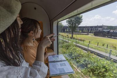 豊後森駅に隣接する「豊後森機関庫公園」。実物のSLと機関庫、転車台が残る