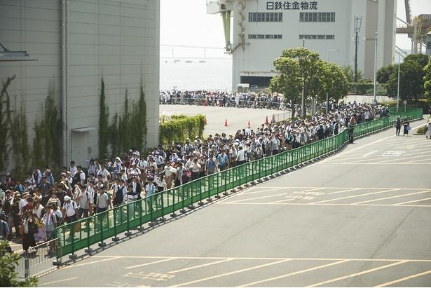 「世界一美しい」と表現される入場待機列