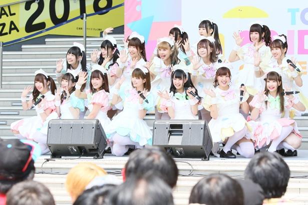 東京・秋葉原のメイドカフェ「@ほぉ~むカフェ」の現役メイドによるポップユニット・あっとせぶんてぃーんが「TOKYO IDOL FESTIVAL 2018」のFESTIVAL STAGE(8月4日)、SKY STAGE(8月5日)に登場!