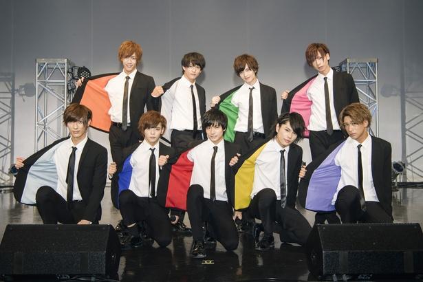 B2takes!メンバー。左後からしだっくす、あつし、森勇翔、奥山ピーウィー、左前より中島 拓斗、わたる、小澤 廉、飯山 裕太、IGU