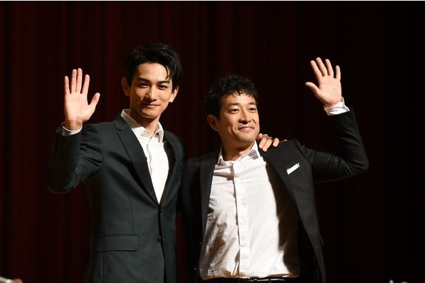 「超W凱旋トークショー」に登壇した町田啓太(左)と迫田孝也(右)
