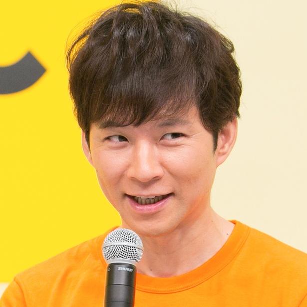 【写真を見る】中島健人にセクシー封じを行った渡部建