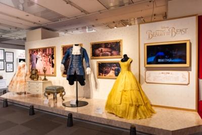 【写真を見る】ディズニー映画で実際に使用された衣装の展示も行なっている