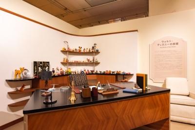 ウォルト・ディズニーの仕事部屋を細部まで再現