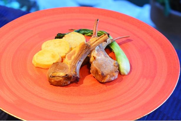 「伊万里フェア」では、伊万里の特産品を使った料理を、伊万里焼とともに楽しめる