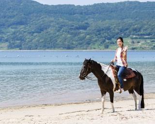 馬たちは砂浜でもスイスイ進んでくれるので、気分爽快!