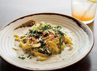 ヒシミツ / 生パスタはもちもちした食感で、平打ち麺と中太麺の2種類から選べる