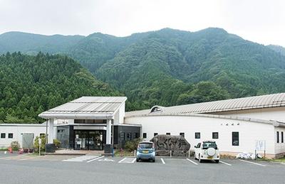 英彦山温泉 しゃくなげ荘 / 多い日で500人以上が訪れる。最近はパワースポット巡りをする20代の女性客も増えたそうだ