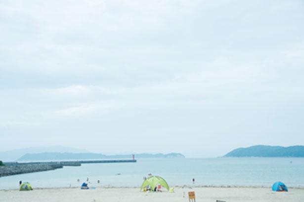 のんびりした海を眺めて休息しよう/加太海水浴場