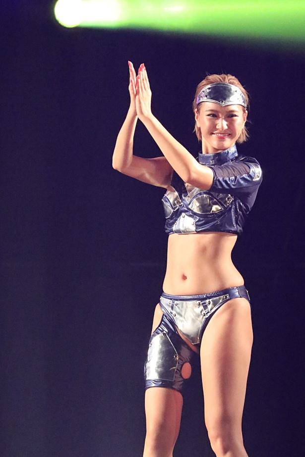 CYBERJAPAN DANCERS 「Team K」のKANA