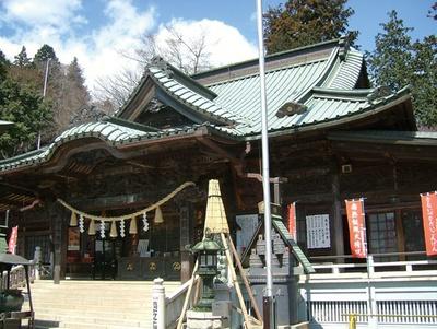 髙尾山薬王院の大本堂では、毎日「諸願成就のお護摩」というご祈祷が行われている