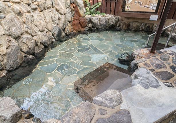 みなと温泉 波葉の湯 / 「源泉あつ湯」バラエティ豊かな湯舟がいっぱい!深夜まで存分に入浴しよう
