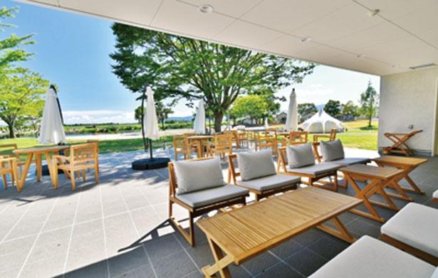 地元産を中心とした厳選食材を使った料理を提供する場内のサイクルカフェ/STAGEX高島