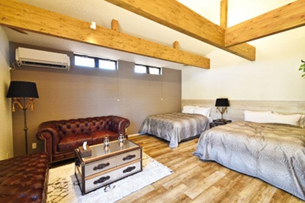 全10棟の宿泊グランピングキャビンでは、トイレ&バスルーム付きの快適な宿泊が可能/STAGEX高島
