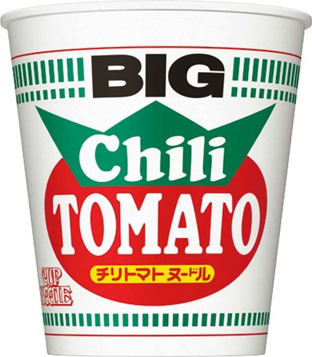 「カップヌードル チリトマト ビッグ」(221円、107g/麺85g、487kcal、食塩相当量5.1g)
