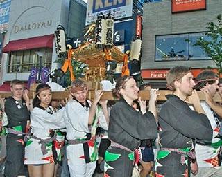 伝統文化に、らきすた神輿も!夏休みにまだ間に合う首都圏の祭り3選