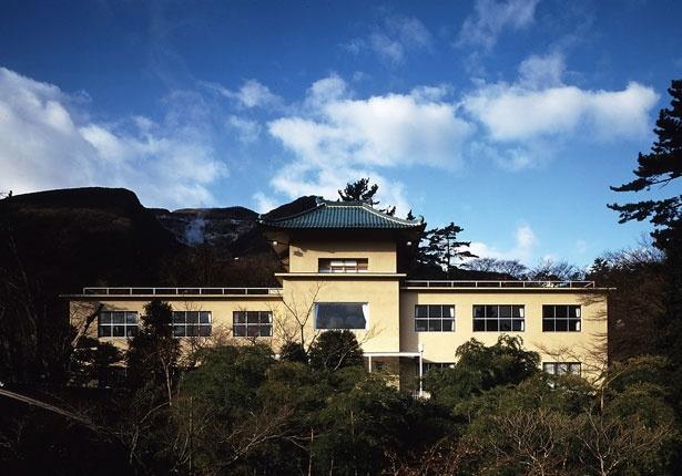 箱根美術館の外観。縄文時代の土器から江戸時代まで、日本の陶磁器を中心に展示する