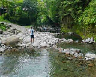 ニジマスが次々ヒット!大分・日田「上津江フィッシングパーク」で渓流釣り体験