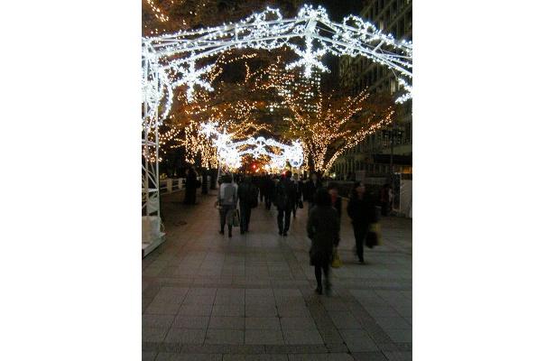 「中之島イルミネーションストリート」の輝きは必見です!