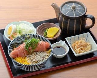 はかた天乃(地下1階)の「明太丼」(大・1800円) ※小・1580円もある