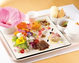 「花のプレート~タイタンビカス~」(1680円)