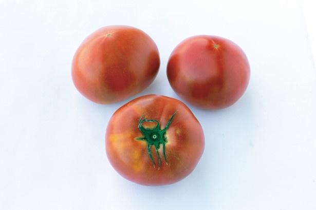 手間ひまかけて育てられた大玉のトマト「サンロードトマト」(3個360円~)