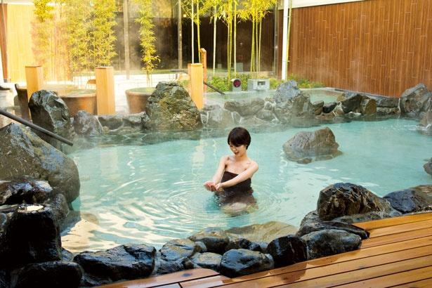 多彩な風呂が揃う露天風呂/神州温泉 あるごの湯