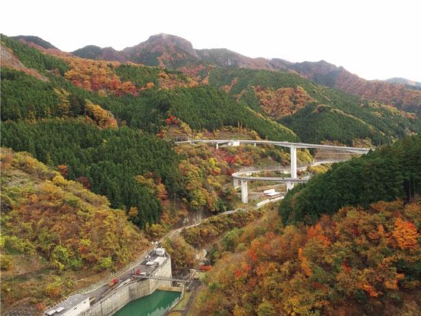 高さは132メートルと浦山ダムよりも低いものの、ダムの規模は埼玉県最大を誇る滝沢ダム