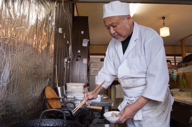 2017年3月に念願のうどん店をオープンした店主の竹島さん