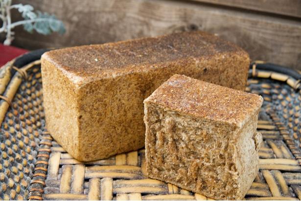 「ふすまハチミツ食パン」(320円)は栄養価も期待大!