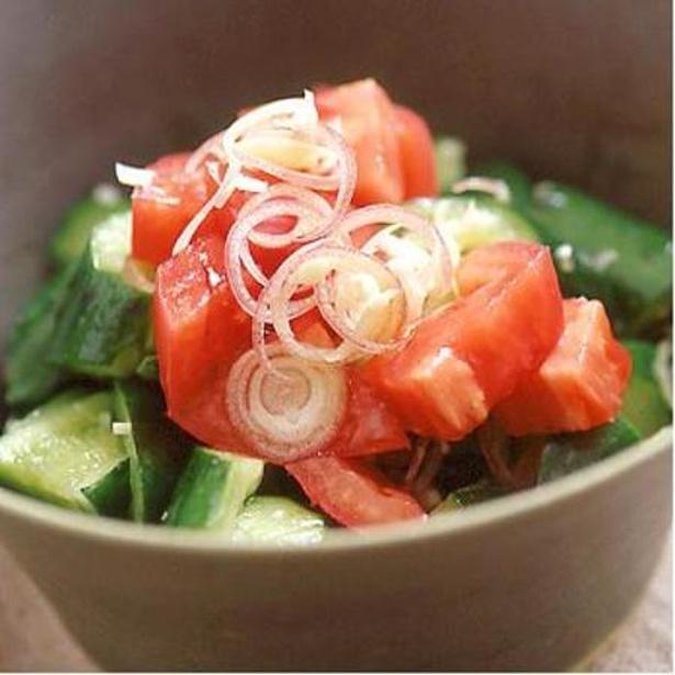 たたききゅうりとトマトのサラダ