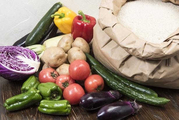 夏から秋にかけては農園の新鮮野菜とおいしい米を存分に味わえる