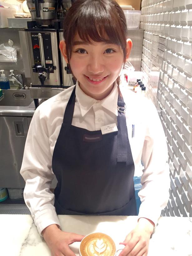 学生時代にアルバイトをしていた茉里奈さんの写真!